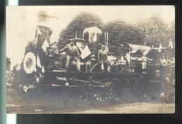 CPA Locomotive P.L.M. Pavoisée - Circulée - Postales