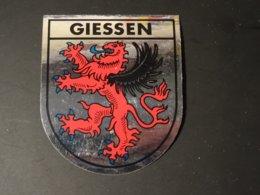 Blason écusson Adhésif Autocollant Sticker Coat Of Arms; Aufkleber Wappen Escudo Adhesivo Giessen - Obj. 'Souvenir De'