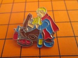 1319 Pin's Pins : BEAU ET RARE : Thème ALIMENTATION / JGROS BLOND EN TRAIN DE SE BAFFRER - Levensmiddelen