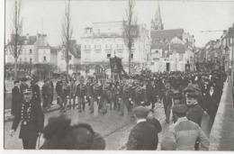 MELUN - CARTE-PHOTO - Castatrophe Du 4 Novembre 1913 -  Obsèques Des Victimes  Cortège Sur Le Pont De Lattre De Tassigny - Melun