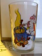 Verre à Moutarde Asterix 1968 Panoramix Et La Potion Magique - Vasos