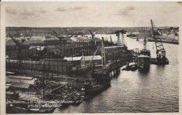 Carte Postale Glacée Ancienne De Nantes Les Chantiers De Construction Pris Du Transbordeur - Nantes