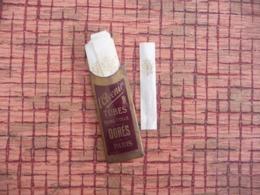 Papier A Cigarettes L' Avenir Tubes Sans Colle Dorés - PARIS - Around Cigarettes