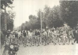 Belle Photo Originale De La Course Cycliste VELOCIO Du 27 Juillet 1958 - Cycling