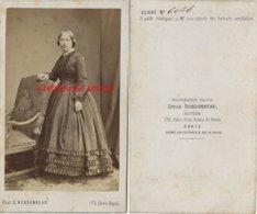 CDV Femme De La Bourgeoisie-mode Second Empire-Photo Valois Emile Bondonneau éditeur, Palais Royal à Paris - Anciennes (Av. 1900)