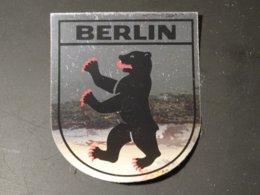 Blason écusson Adhésif Autocollant Sticker Coat Of Arms; Aufkleber Wappen  Berlin - Obj. 'Remember Of'