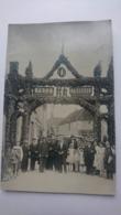 CPA CARTE POSTALE ANCIENNE BELLE EPOQUE 1900 PHOTO VELIN SERGINES PAIX ET TRAVAIL FETE ANIME ENFANTS VILLAGE FRANCAIS - Personaggi
