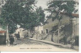 289 - BEDARIEUX - L'AVENUE DE LA GARE  ( Animée - MANUFACTURE DES BISCUITS BARBE  ) - Bedarieux