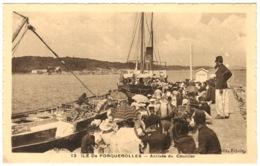 83 - Ile De Porquerolles - Arrivée Du Courrier - Porquerolles