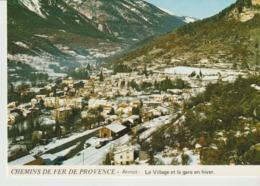 C. P . - PHOTO - CHEMINS DE FER DE PROVENCE - ANNOT - LE VILLAGE ET LA GARE EN HIVER - JACQUES CHAUSSARD - A 73 - Frankreich