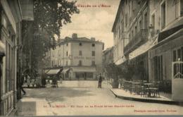 LIMOUX UN COIN DE LA PLACE ET LES GRANDS CAFES - Limoux