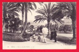 F-06-Nice-89PH35 Vue Du Jardin Public, Les Palmiers, Animation, Femme Avec Ombrelle, Fillettes Avec Cerceaux, Cpa BE - Parks
