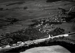 ! Bahnhof, Lauchheim, Baden-Württemberg, Seltenes Luftbild, Moderner Abzug, Nr. 12167 Format 18 X 13 Cm - Bahnhöfe Mit Zügen