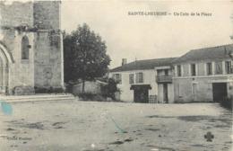 CPA 17 Charente Maritime Inférieure Sainte Ste Lheurine Un Coin De La Place - Francia