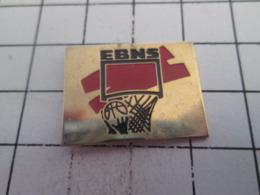 519 Pin's Pins : BEAU ET RARE : Thème SPORTS / EBNS CLUB BASKET-BALL - Militaria