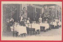 CPA-75-PARIS 1910- En Terrasse Pendant La Belle Saison-  Animation * * *SUP *2 SCANS - France