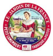 ETIQUETTE De FROMAGE. Petit CAMEMBERT.fabriqué En POITOU..Le Jardin De La France..Laiterie Coop. De DANGE Les ORMES (86) - Formaggio
