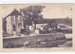 Yonne - Levis - Entrée Du Pays - L'abreuvoir - Francia