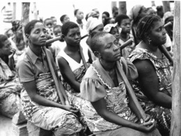 Photo R P Congo Brazza Cérémonie D'éradication De La Magie à Nkankata 1987? Vivant Univers - Afrique