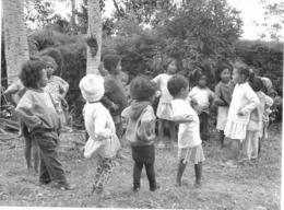 Photo Madagascar Ronde Enfantine 1998 Vivant Univers - Afrika