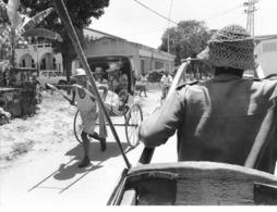 Photo Madagascar Toamasina Taxis Pousse-pousse 1998 Vivant Univers - Afrika
