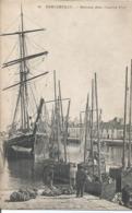 CPA 1425 --CONCARNEAU Bateaux Dans L'ancien Port - Animation - Concarneau