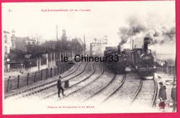Locomotives De La Cie De L'Ouest---Trains De Versailles Et Du Mans----beau Plan --animé - Gares - Avec Trains