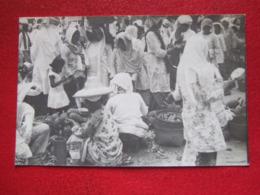 """INDONESIE - PADANG -  CARTE PHOTO - MARCHE - MARKT -  VOIR LES SCANS...  """" RARE """" - - Indonesia"""