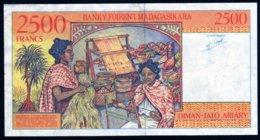 Madagascar 1998 2500 Francs   AU   Voir Explications   Billet Rare En L'état - Madagascar