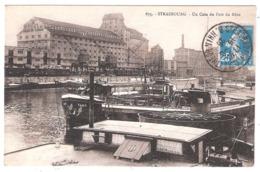 Péniches Dans Un Coin Du Port Du Rhin ( 67 - Bas-Rhin) - Houseboats
