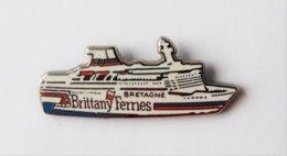 Pin's Bateau Brittany Ferries BRETAGNE - PAC/01 - Boten