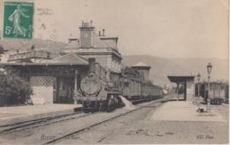 CPA Royat - La Gare (avec Train En Très Beau Plan) - Royat