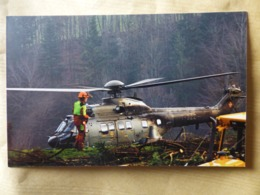 SWISS AIR FORCE  SUPER PUMA     T-322 - Hélicoptères