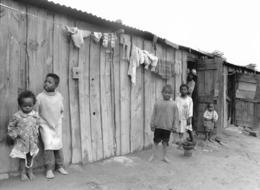 Photo Madagascar Bidonvilles Insalubres Autour De La Grande Décharge D'Andralanitra 1998 Vivant Univers - Afrika