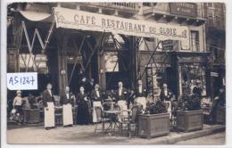 CLERMONT-FERRAND- CARTE-PHOTO- BELLE DEVANTURE DU CAFE-RESTAURANT DU GLOBE- RUE DESAIX- TROUS DE PUNAISE - Clermont Ferrand