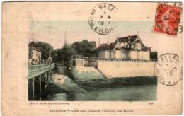 3TST 913 CPA - ARCACHON - JETEE DE LA CHAPELLE - LE CROIX DES MARINS - Arcachon