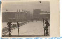 1928 LONGWY - Carte Photo Privée La PLACE Sous La Neige Le 11 Mai 1928 - Longwy
