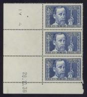 Bande De 3 N° 333 Avec Coin Daté Chômeurs Intellectuels - Pasteur 1 F. 50 Outremer . Neuf Sans Charnière . - Unused Stamps