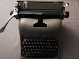 Ancienne Machine à écrire Olivetti Lexikon 80 (clavier AZERTY) - Andere Verzamelingen