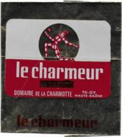 ETIQUETTE   DE  FROMAGE  10 X 10 LE CHARMEUR DOMAINE DE LA CHARMOTTE HAUTE SAONE 70 GY - Formaggio