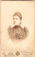 Foto Antigua De Edgar Debas En Madrid, Carrera S. Geronimo, Retrato De Mujer, Cdv Ca 1890 - Photos