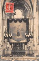 ¤¤   -   POITIERS    -   Carte-Photo De L'Intérieur De La Cathédrale    -  Banière Sur Jeanne D'Arc    -   ¤¤ - Poitiers