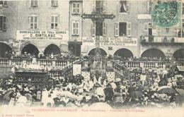 CPA 12 Aveyron VILLEFRANCHE DE ROUERGUE - Place Notre-Dame - Procession De La Fête-Dieu Dintilhac - Villefranche De Rouergue