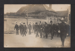 CPA Photo . 27 VERNON . Cérémonie, Défilé , Pompiers . Photo R. DECKER . - Vernon