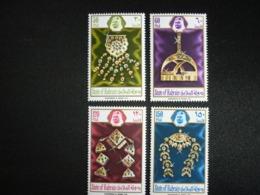 BAHRAIN, 1975 Various Jewelry Scott # 218-221 MNH Cv. 16,60$ - Bahrain (...-1965)