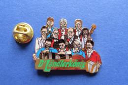Pin's,musique,instrument,accordeon,D'LÄNDLERKÖNIG,Handorgel,folklorique,limité - Musik