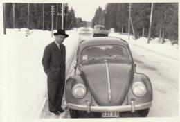 Photo D'une VW Cox En Mars 1956 - Automobiles