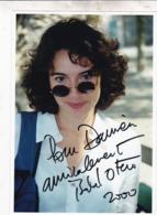 VERITABLE DEDICACE ISABELLE OTERO / SAINT TROPEZ 2000  /  SUR TIRAGE PHOTO / 21X15 - Autographes