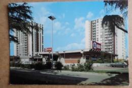 ANDREZIIEUX - BOUTHEON - Le Centre Commercial '' La Chapelle''  - Supermarché SUMA - Commerce ( 42 Loire ) - Andrézieux-Bouthéon