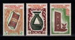 Comores - YV 29 à 31 N** Artisanat Cote 4 Euros - Comores (1950-1975)